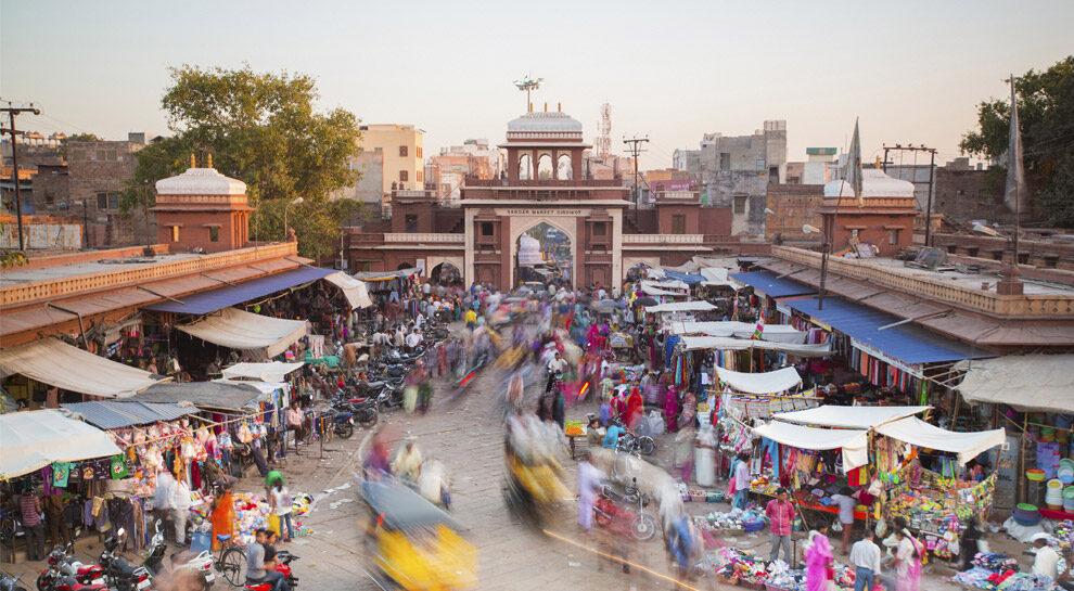 busy indian market symbolizing full-stack digital lending platform in India